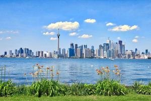 加拿大移民数量增长强劲,人口在五十年内将增加一倍