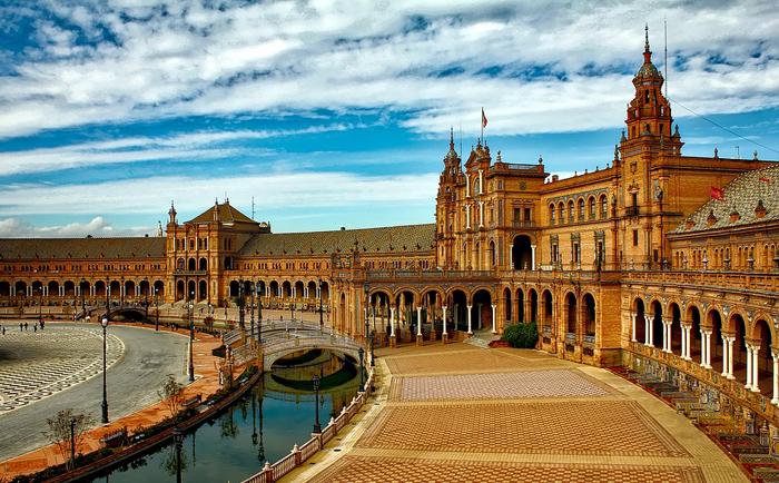西班牙经济持续发展,房产市场不断活跃、投资潜力巨大