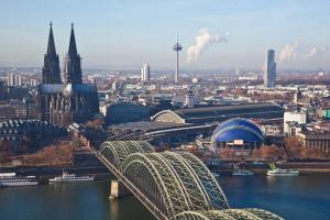 德国经济活跃移民政策简单,移民德国福利这么好