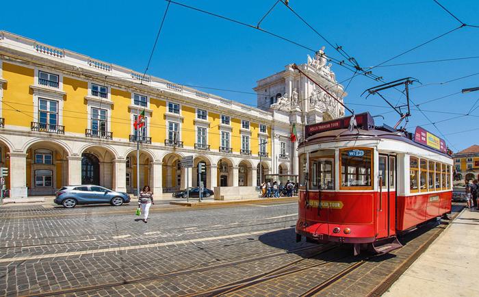 葡萄牙黄金居留卡狂热吸引力,七年吸引50亿欧元