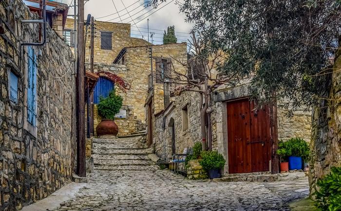在塞浦路斯购买房产需要注意什么?
