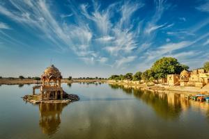 除了普及的泰国旅游签证,商务签称为万能签