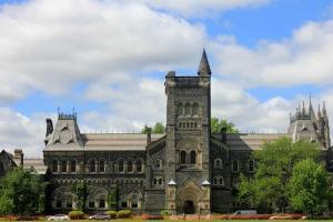 加拿大移民子女获认可,学历和收入远超全国水平