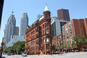 加拿大留学:费用最低的热门英语留学国家